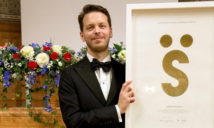 Torsten och Wanja Söderbergs pris 2017 till den norske ljus- och möbeldesignern Daniel Rybakken